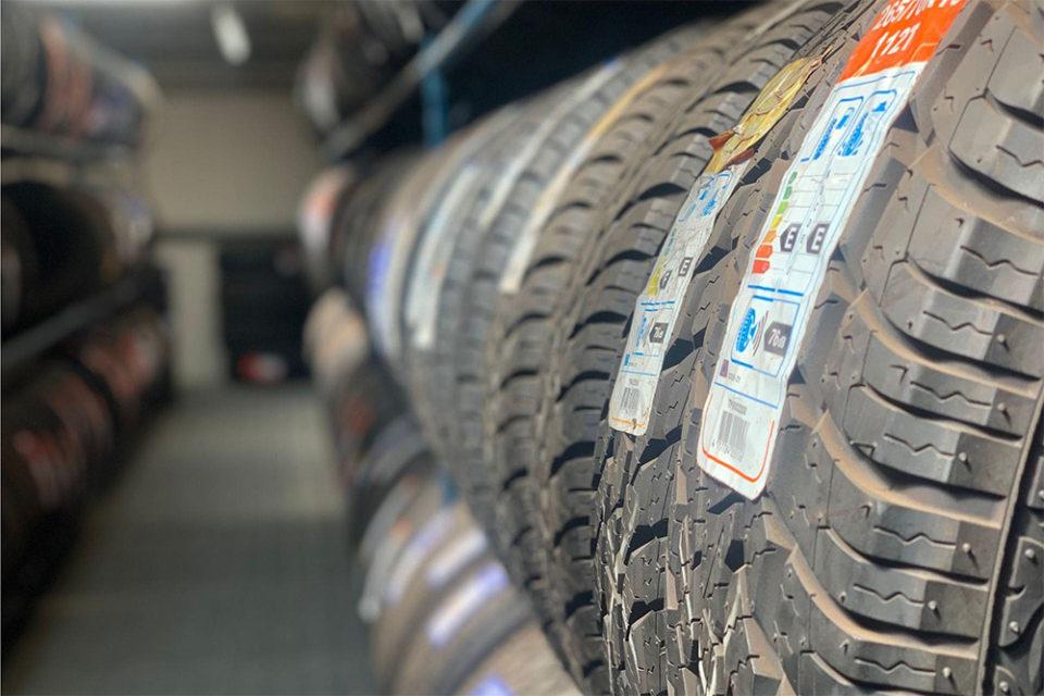 4 x 4 - tyres -Durham-banner